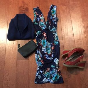 Dresses & Skirts - Stunning floral dress
